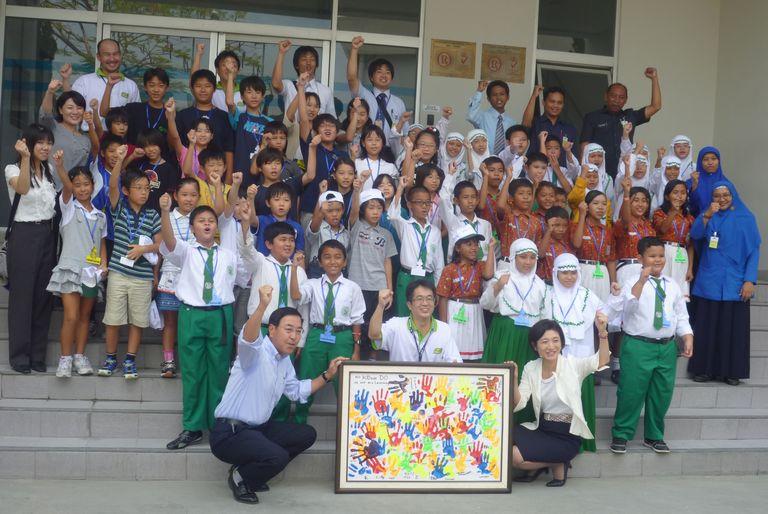 Panasonic Lighting Indonesia Celebrates u0027eco Kideasu0027 with 55 Indonesian Students & Panasonicu0027s Environmental Education Activity Gets a Push in ... azcodes.com