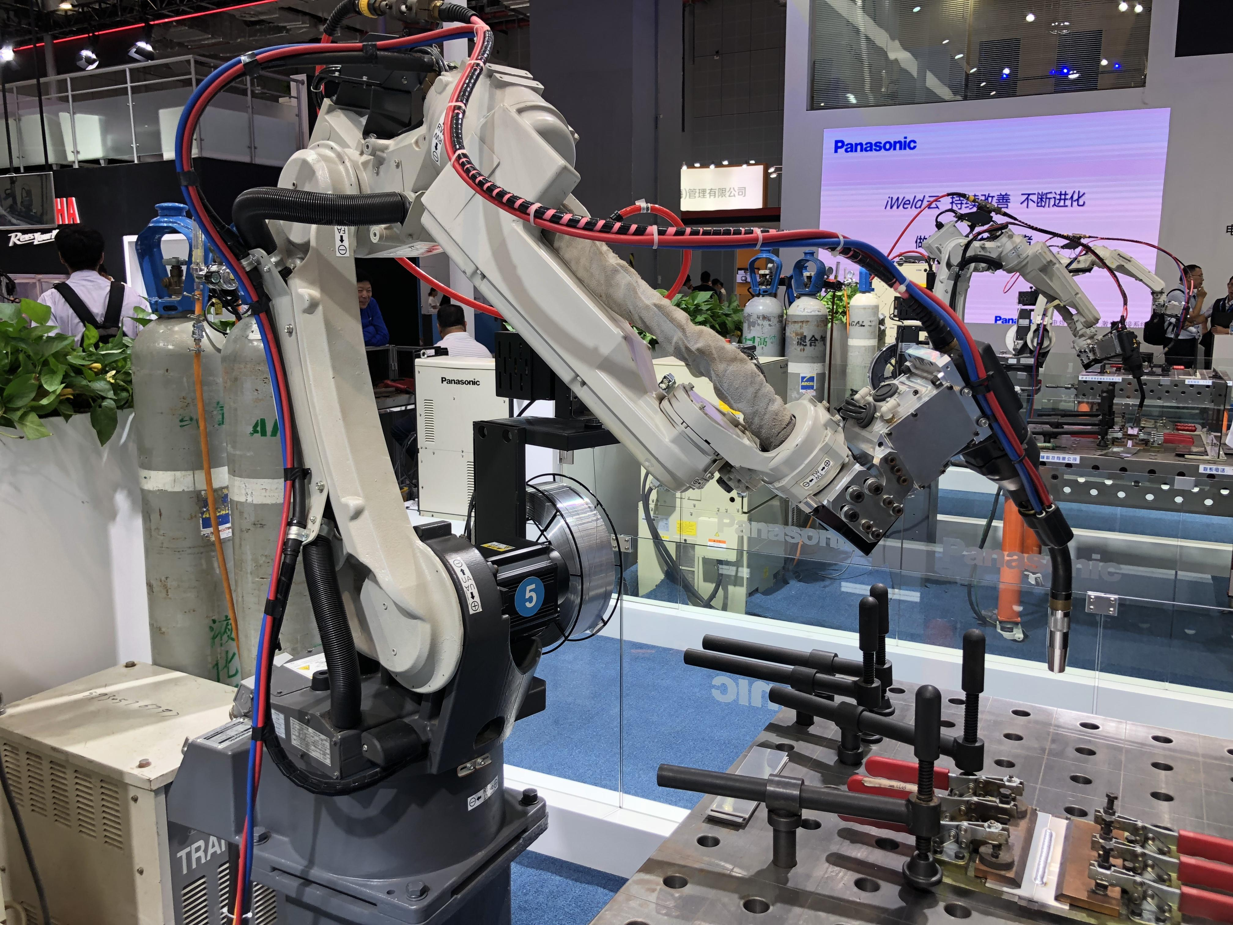 Panasonic Is Exhibiting Its Intelligent Manufacturing