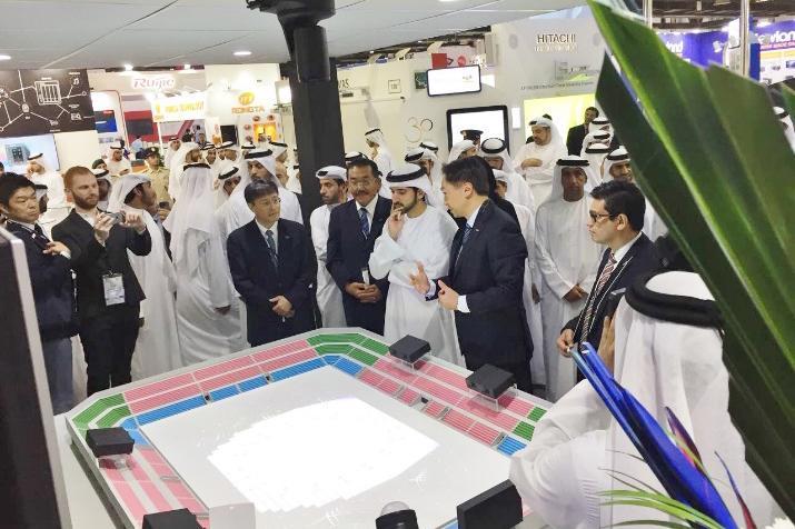 photo: royal visit at the panasonic booth