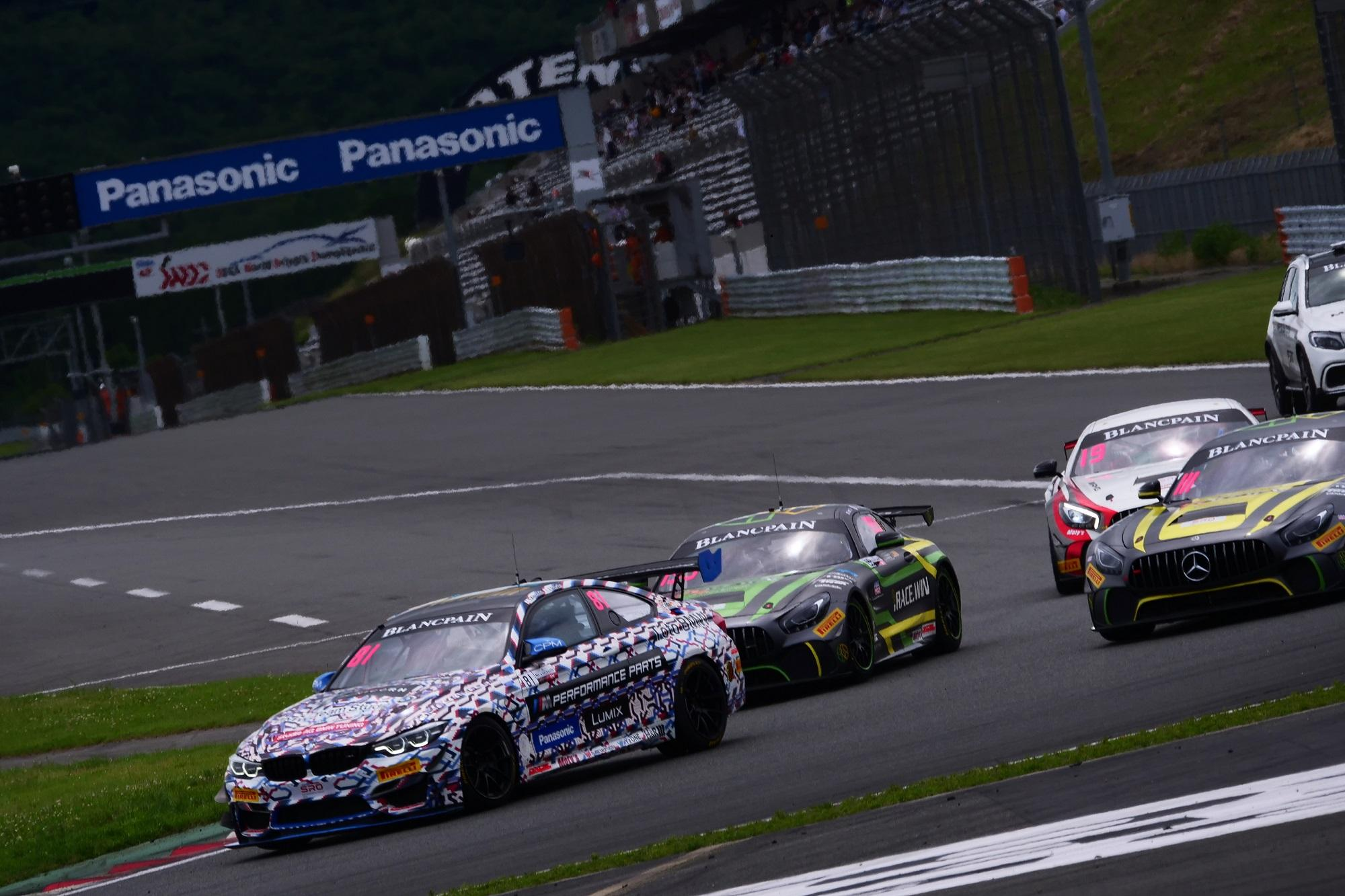 photo: BMW Team Studie in the Blancpain GT World Challenge Asia
