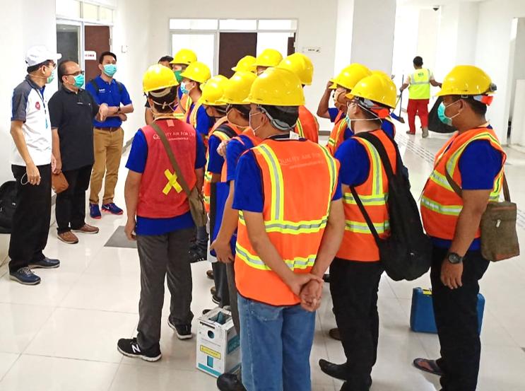 Photo: Team of Panasonic employees getting ready at Wisma Atlet Kemayoran