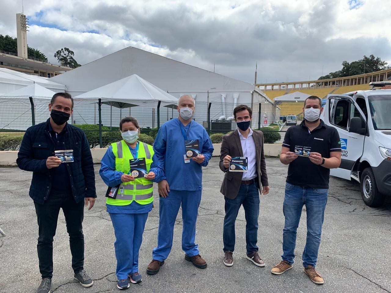 Photo: Batteries being donated to Campanha Pacaembu Hospital