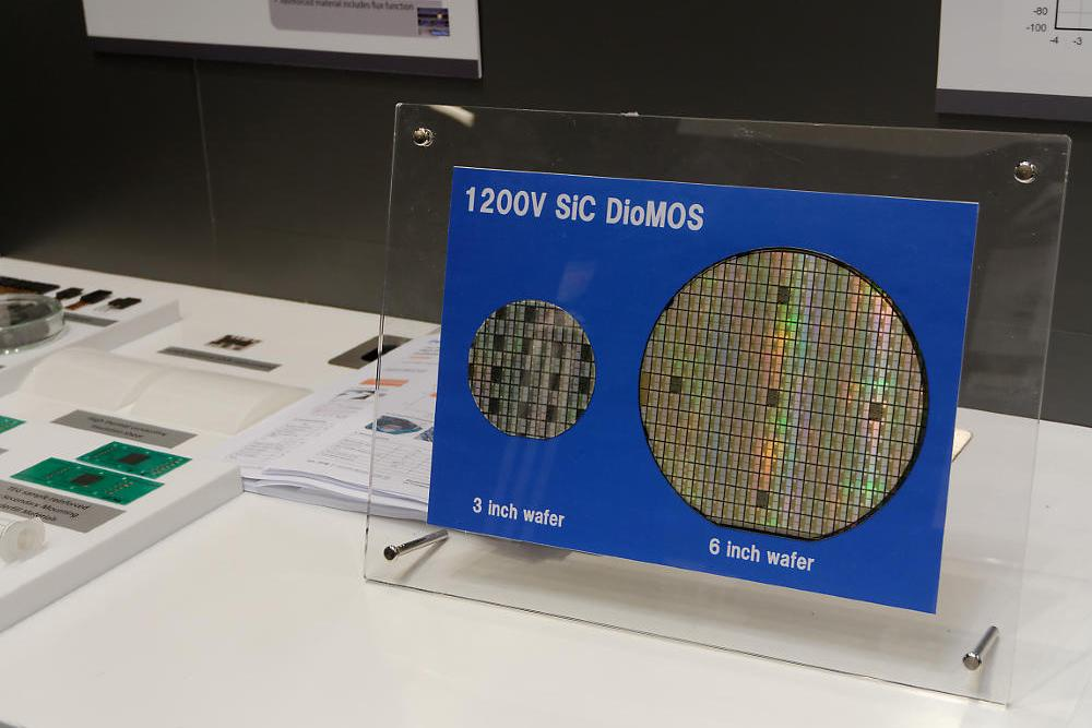 photo: Diode-Integrated MOSFET (DioMOS) technology