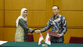 04_Embassy_of_Japan_in_Indonesia_Selects_Power_Supply_Container_a_Stand-alone_Photovoltaic_Power_Package.jpg