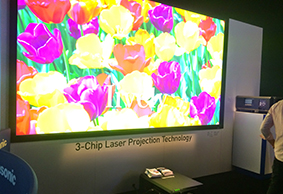 08_nab2015_projector.jpg