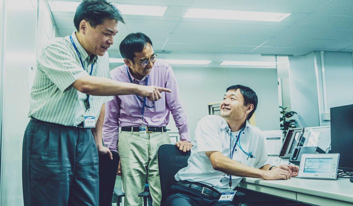 Photo, from left to right: Yoshitaka Tezuka, Yasushi Kasajima, and Keiichi Tanaka.