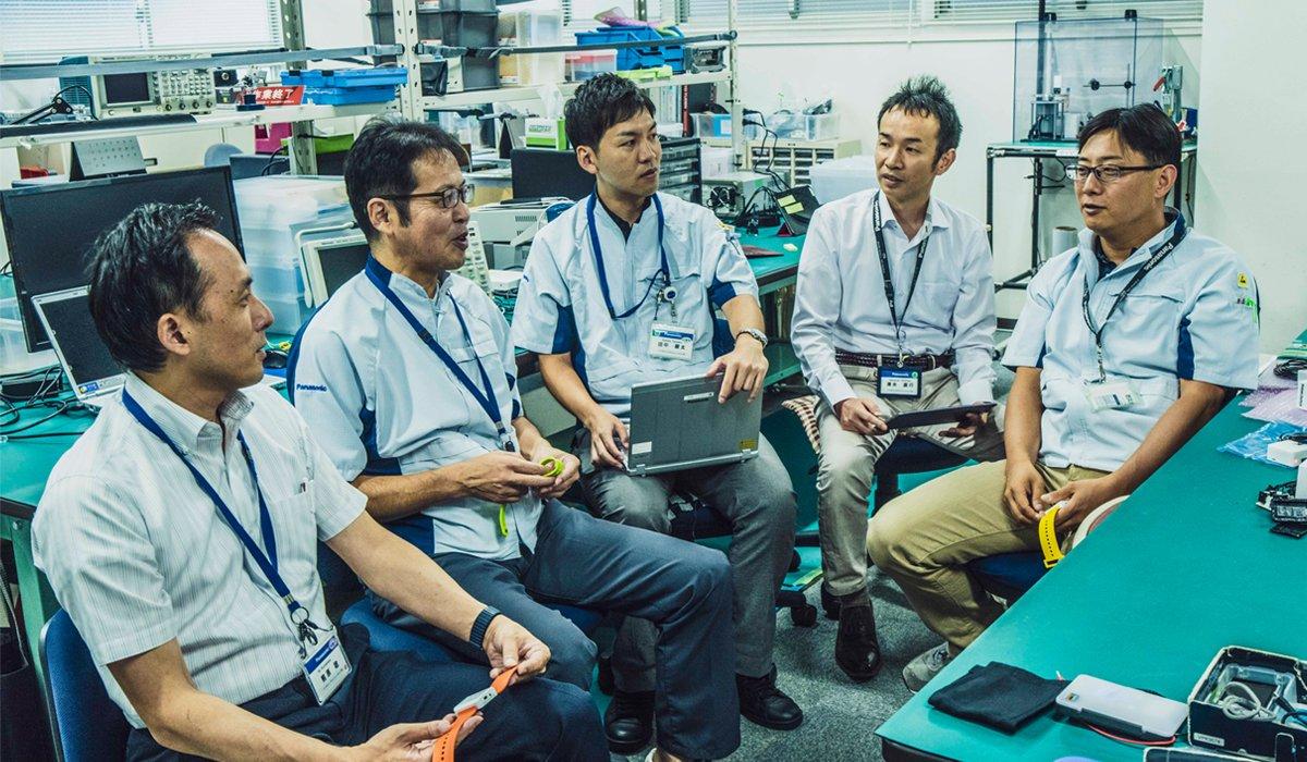 Photo, from left to right: Minoru Kumahara, Mitsuru Tomita, Kenta Tanaka, Naoyuki Shimizu, and Masanori Minamiyama.