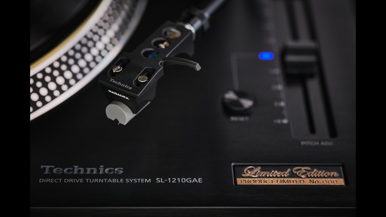 Photo: SL-1210GAE Limited Edition Direct Drive Turntable