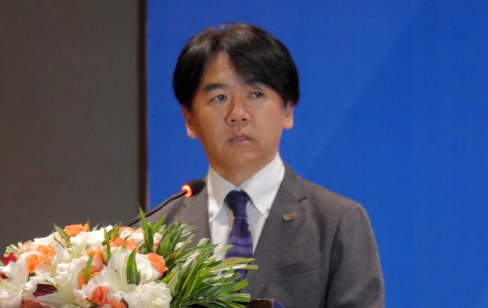 photo: Hisakazu Maeda