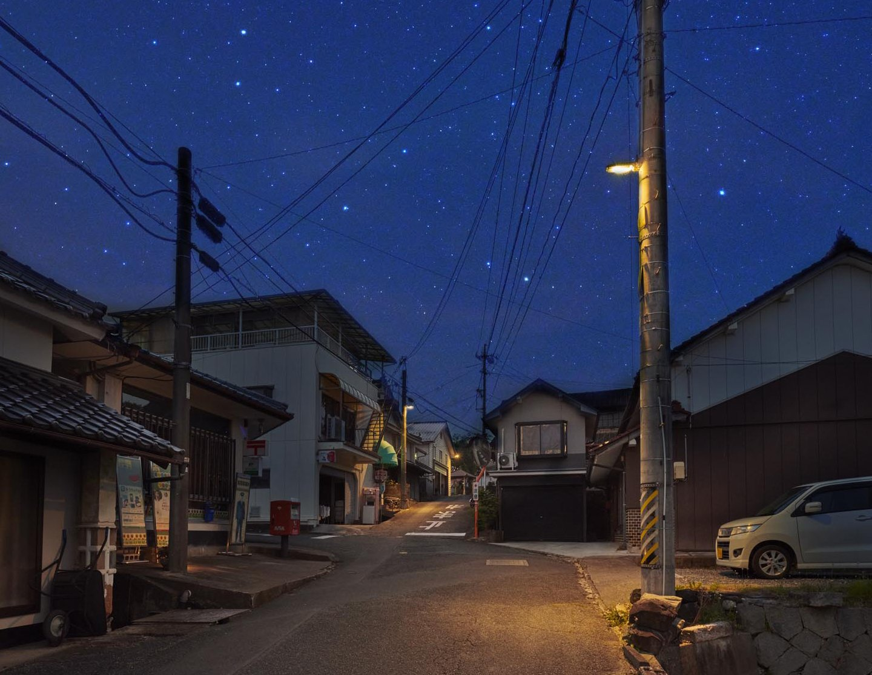 Photo: Shining in the town is dark sky-friendly lighting that blocks upward light leakage.