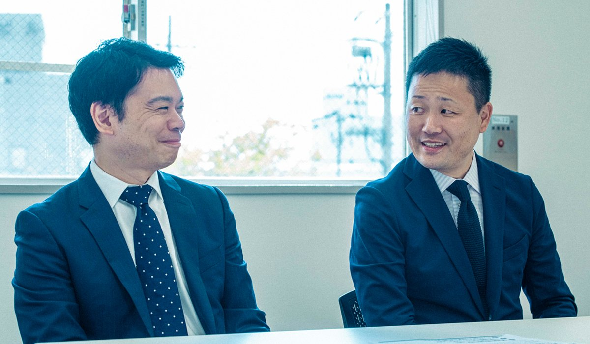 Akihiro Fujimoto, Ostomy Franchise Business Unit Director, ConvaTec Japan K.K. (left) and Yohei Kamon, Ostomy Franchise Marketing Brand Manager, ConvaTec Japan K.K.