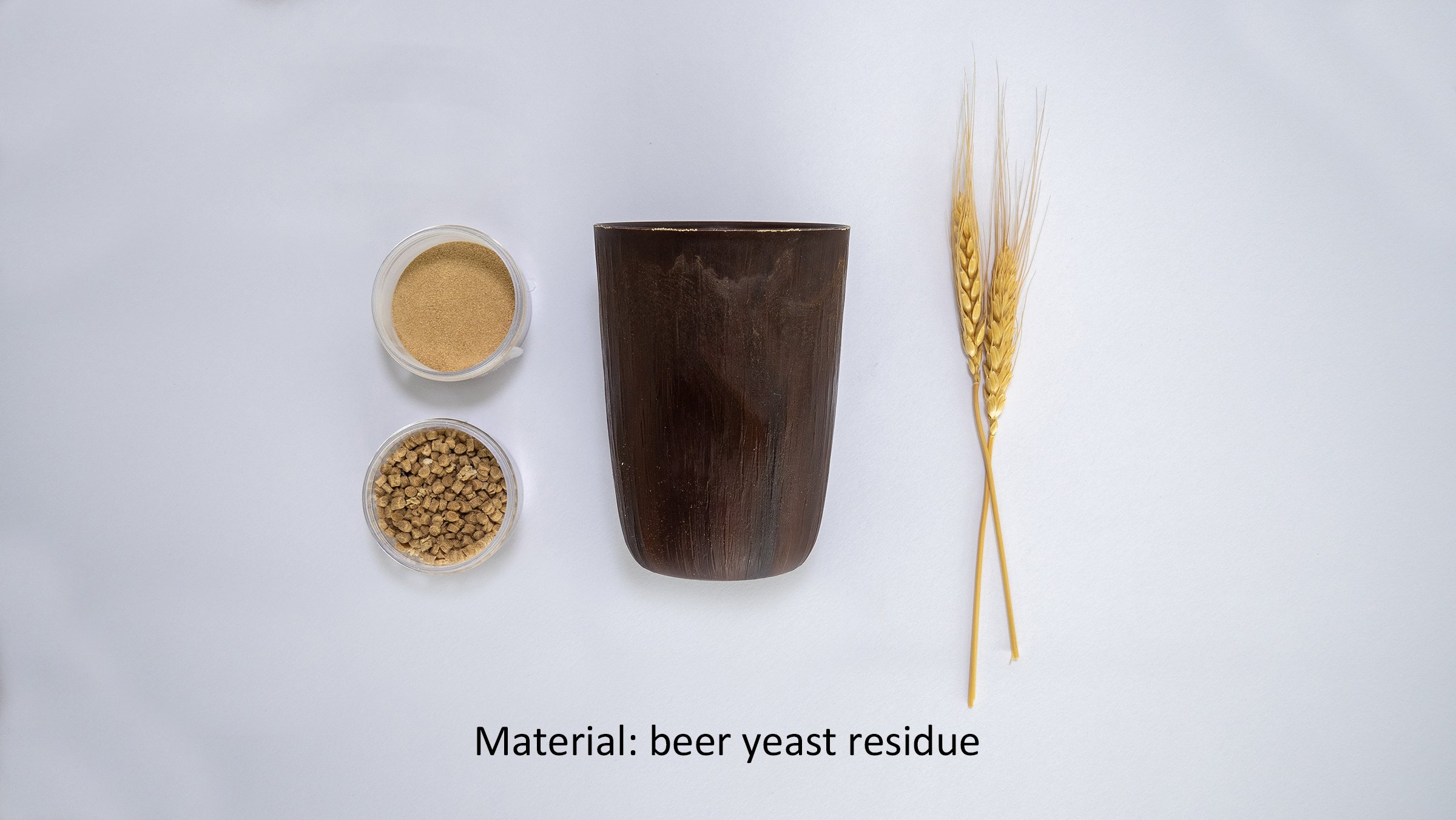 Photo: Reusable cups using cellulose fiber (material: beer yeast residue).