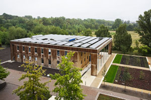 thumb_04_Panasonic_HIT_Solar_Cell_Modules_Power_the_Federal_Environment_Agency_in_Germany.jpg