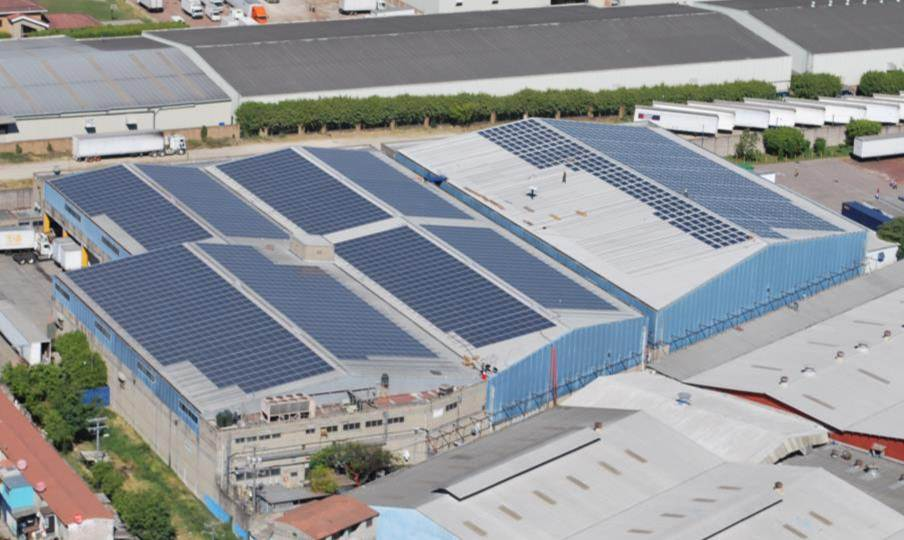 INTRADESA社 アパレル工場に3,608枚のパナソニック太陽光パネル設置