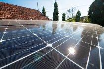 パワーサプライコンテナはHIT太陽光発電システムを搭載