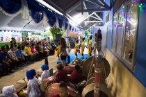 パワーサプライコンテナ引き渡し式典では子どもたちが音楽やダンスを披露
