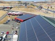 ソノマ・レースウェイに設置された太陽光パネル
