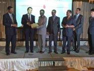 タンザニア経済産業大臣 Dr. Abdalla Kigoda(写真中央)やエネルギー省大臣代理も出席