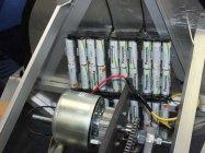 電源はパナソニックの単3形「充電式EVOLTA」40本