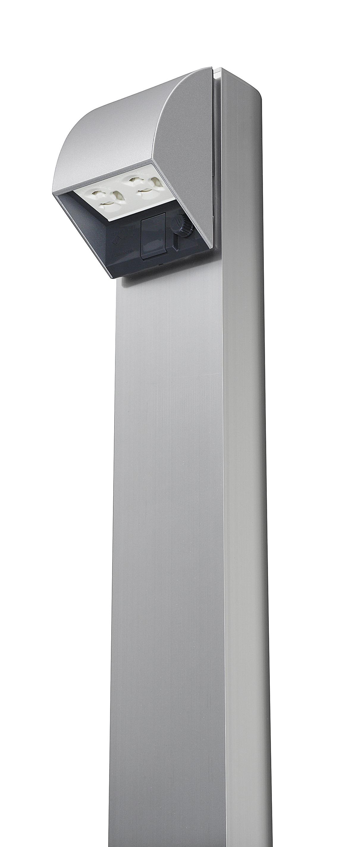 屋外電源コンセント支柱「Dポール」(スマート防水コンセント取り付け状態)