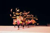 点灯式典では現地の伝統的な踊りも披露された