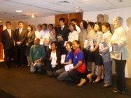 フィリピン マニラにおけるソーラーランタン寄贈式の模様(2)