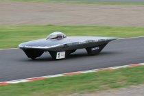 「2010 Dream Cup ソーラーカーレース鈴鹿」にて、大阪産業大学のソーラーカー