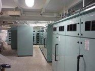 リチウムイオン電池システムが納まる電池室