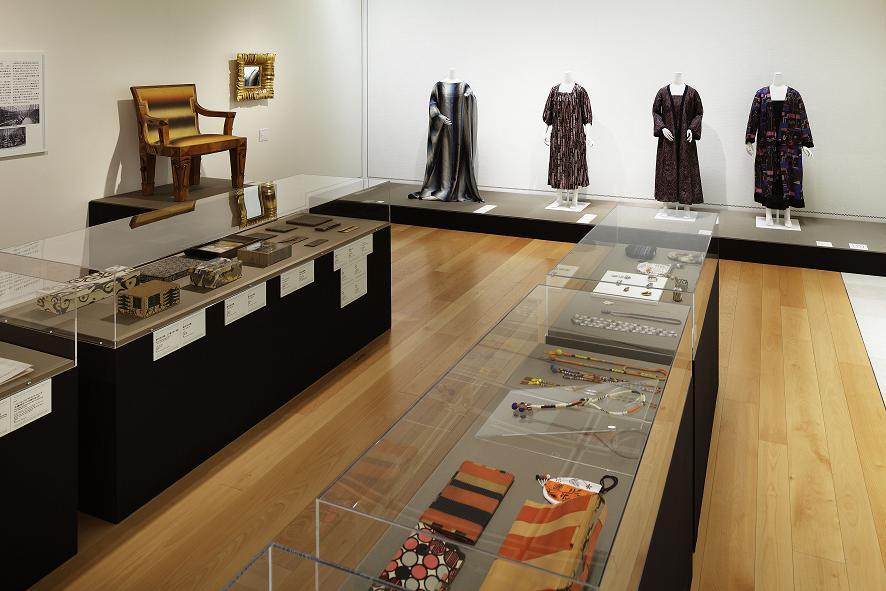 「ウィーン工房 1903-1932モダニズムの装飾的精神」の展示風景