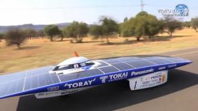 アフリカの大地を疾走するソーラーカー(37秒)