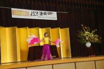 ベトナムの民族舞踊を披露