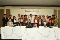 カンボジアで活動するNPO/NGOなど15団体に対し、ソーラーランタン総計2000台を寄贈