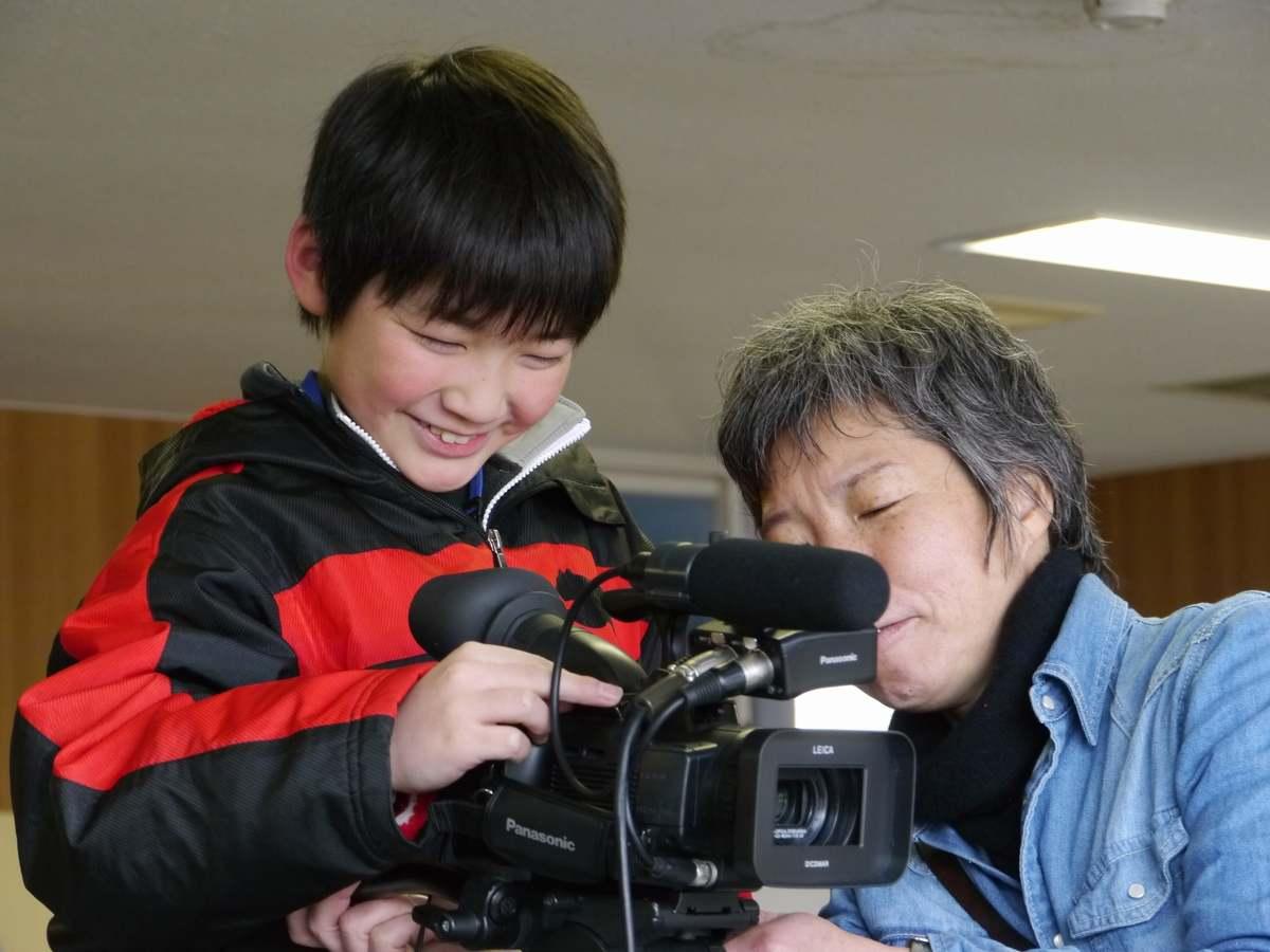 映像制作を通じた子どもたちの心のケアプログラム「きっとわらえる2021」