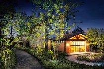 彩光色LED照明器具 屋外(植栽)用・ホテル(リゾート施設) 使用イメージ