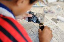 2012 Ene-1 GP SUZUKAでのパナソニック「手づくり乾電池教室」制作の様子