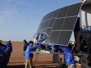 パナソニックのHIT太陽電池を搭載した東海大学チーム。ワールドソーラーチャレンジ2013