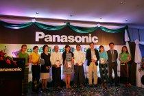 ミャンマーでのソーラーランタン寄贈式