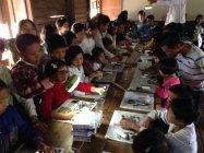 無電化地域の学校では、パナソニックの「ソーラーランタン」が活躍