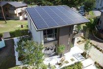 太陽電池モジュール「HIT」を搭載した住宅の例:パナホーム「エコ・コルディスII」