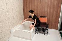 浴槽ふち幅6cmで周囲すべてが手すりがわりになる「セルフィーユ」