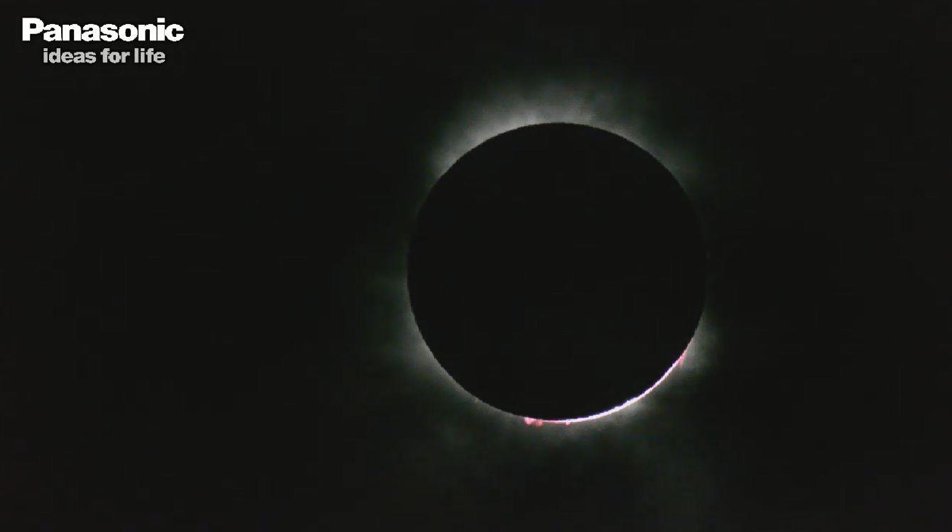 美しい皆既日食をLUMIX GH2が捉えた!