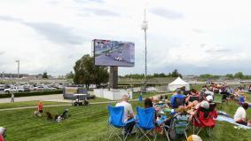 新たなビデオボードが設置されたインディアナポリス・モータースピードウェイ