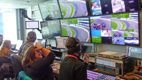 パナソニックはレースに関するあらゆる情報を表示するためのソフトウェアも提供しています
