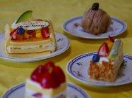 フォーカスセレクト作例(フォーカス位置:左奥のケーキ)