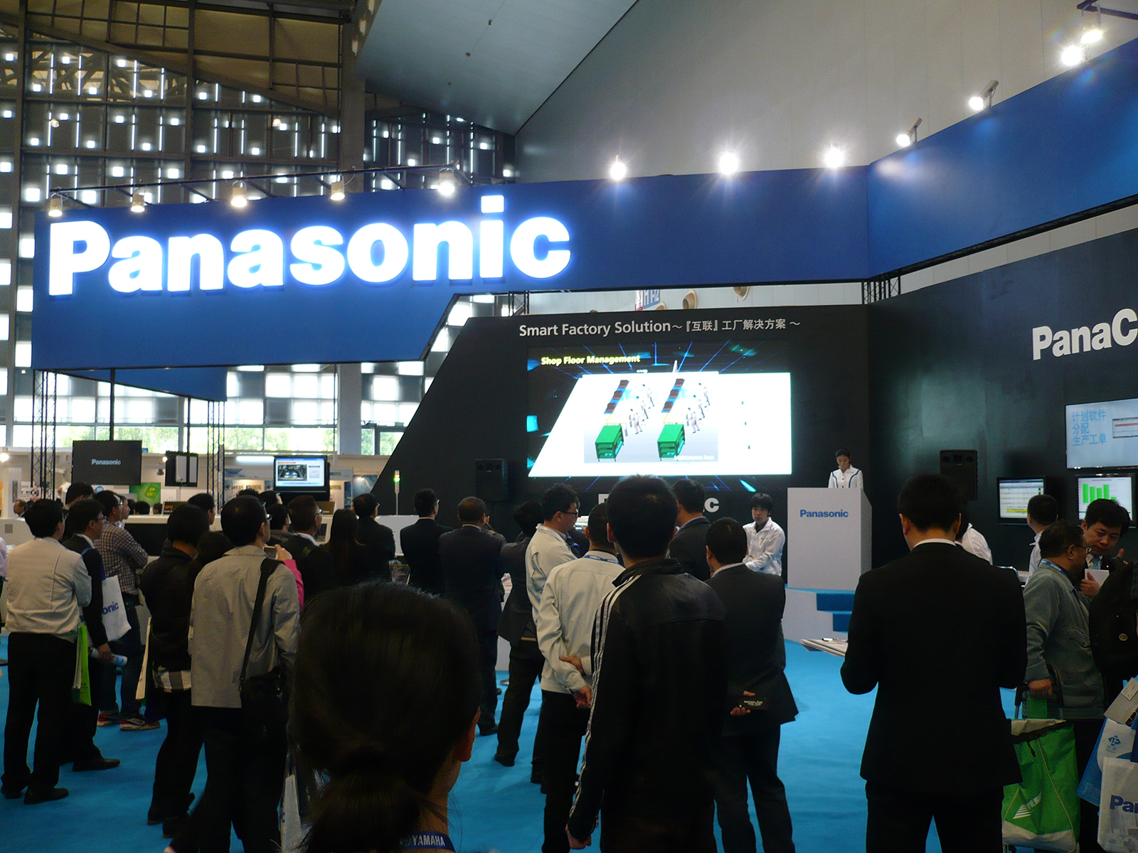 「NEPCON CHINA 2015」パナソニックブースの様子(1)