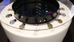 「The World of Sports」では過去のオリンピックで使用されたメダルも展示