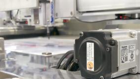 新開発のACサーボモータ「MINAS A6シリーズ」は業界最小・最軽量を誇る
