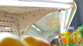 冷蔵ショウケースはLED照明で省エネに。
