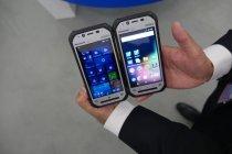 TOUGHPAD FZ-F1 Windowsモデル(左)とFZ-N1 Androidモデル