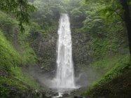 山形県酒田市「玉簾(たますだれ)の滝」